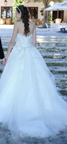 Lazaro 3152: buy this dress for a fraction of the salon price on PreOwnedWeddingDresses.com