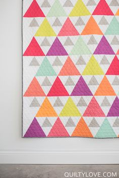 {pattern avail} Quilty Love | Triangle Peaks Quilt – The Kona Cotton solids quilt | http://www.quiltylove.com