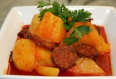 Paprika potatoes with sausage Meat Recipes, Paleo Recipes, Cooking Recipes, Paleo Meals, Green Eggs And Ham, Hungarian Recipes, Hungarian Food, Potato Dishes