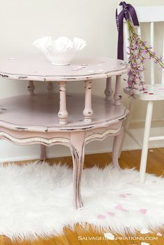 Furniture restoration table annie sloan 18 new Ideas Shabby Chic Furniture, Furniture Makeover, Pink Furniture, Painted Side Tables, Table Makeover, Chalk Paint Furniture, Painted Furniture, Furniture Restoration, Refinishing Furniture