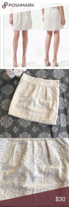 Like new Zara guipure lace skirt 100% cotton cream color size Medium. Excellent condition Zara Skirts Mini