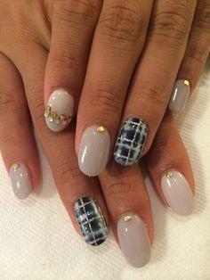 Navy check nails
