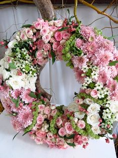Image may contain: flower and plant Funeral Flower Arrangements, Funeral Flowers, Floral Arrangements, Wedding Flowers, Diy Wreath, Door Wreaths, Summer Wreath, Beautiful Flowers, Floral Wreath
