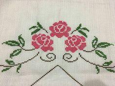 Cross Stitch Borders, Cross Stitching, Cross Stitch Patterns, Embroidery Stitches, Diy And Crafts, Rose, Crochet, Lucca, Crossstitch