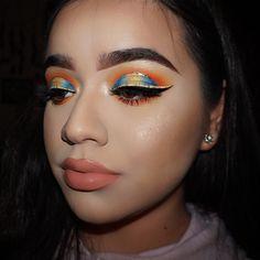 "422 Likes, 58 Comments - Karina Padilla (@karinaapadillaa) on Instagram: "" Sunset Eye✨✨ makeup #motn #motd #makeupgoals #makeuptutorial #makeupobsessed #wakeupandmakeup…"""