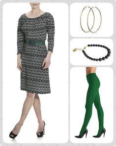 Så gik endnu en skøn, og for mit vedkommende virkelig travl uge, og det er tid til fredagens favorit 🙇 . En sort-hvid mønstret kjole er perfekt til basis garderoben, da den er nem at skifte look på ved hjælp af forskellige farvede accessories. . I dag har jeg valgt grønne nuancer, da grøn både er smuk OG håbets farve💚💚💚 . Tilsæt et grønt Waist elastikbælte, et par strømpebukser i farven Garden, et fint sort dots armbånd i swarovski krystal perler, og et par gyldne hoops øreringe.