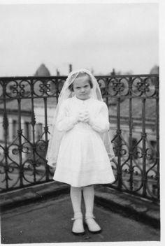 Photo ancienne vintage snapshot fillette little girl communion communiante 1950 | eBay