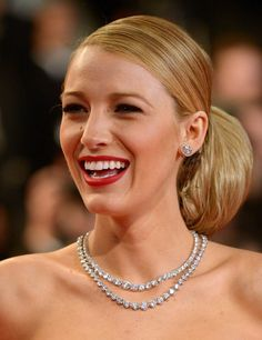 Blake Lively & her diamond tennis necklace at Cannes 2014