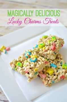 Lucky Charms Treats Recipe: Great Food Craft For St. Patrick's Day patricks day food for kids Lucky Charms Treats Recipe: Great Food Craft For St. Holiday Treats, Holiday Recipes, Great Recipes, Favorite Recipes, Holiday Fun, Lucky Charms Treats, Yummy Treats, Delicious Desserts, Sweet Treats