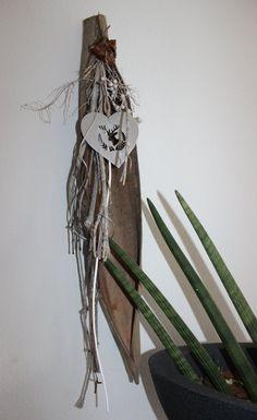 Altes brett nat rlich dekoriert mit einem hirschkopf for Hirschkopf aus holz