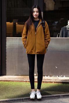 Korean Street Fashion Offizielle koreanische Mode - New Site Korean Street Fashion, Korean Outfit Street Styles, Korean Fashion Winter, Womens Fashion Casual Summer, Korean Girl Fashion, Korean Fashion Trends, Fashion Mode, Winter Fashion Outfits, Look Fashion