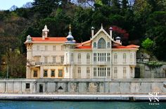 Istanbul #TURKEY Istanbul Turkey, Walks, Mansions, House Styles, Home Decor, Decoration Home, Manor Houses, Room Decor, Villas