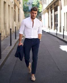 Business Casual For Men: Dress Codes Explained (Part I) What is Business Casual Dress? This is the # 1 Guide to business casual wear for men. Includes business casual jeans, shirts, shoes and examples. Mens Dress Outfits, Formal Men Outfit, Stylish Mens Outfits, Mode Outfits, Men Dress, Formal Dresses For Men, Men's Casual Outfits, Formal Wear For Men, Mens Jeans Outfit