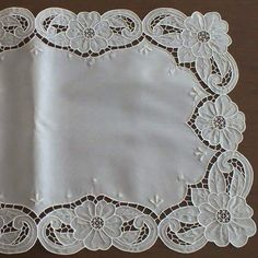 #sehpa #beyaziş Cutwork Embroidery, Hand Embroidery Designs, Embroidery Patterns, Machine Embroidery, Brother Embroidery, Crochet Borders, Cut Work, Needle And Thread, Rustic Style
