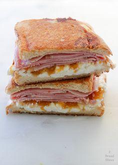 Sandwich Jamon Y Queso, Tortas Sandwich, Sandwich Bar, Soup And Sandwich, Sandwich Recipes, Appetizer Recipes, Gourmet Sandwiches, Wrap Sandwiches, Picnic Sandwiches