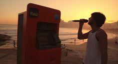 Itaú transforma un cajero en un karaoke en medio de la playa para regalar entradas de Rock in Rio | Tiempo de Publicidad | Blog de Publicidad y Creatividad