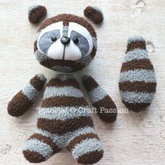 Socke Waschbär Plushie - kostenlose SchnittmusterSock raccoon plushie - free sewing pattern, Check more at Sock Monkey Pattern, Sock Monkey Baby, Plush Pattern, Free Pattern, Sewing Stuffed Animals, Stuffed Animal Patterns, Sock Stuffed Animals, Sewing Patterns Free, Free Sewing