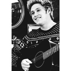 Niall We Heart It ❤ liked on Polyvore featuring niall horan, niall, one direction, pictures and 1d