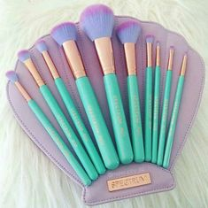 Must have mermaid makeup brushes!!