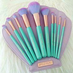 Must have mermaid makeup brushes!!