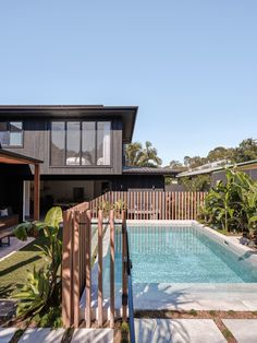 The Barefoot Bay Villa by The Designory, image by Andy Macpherson Studio Backyard Pool Landscaping, Backyard Pool Designs, Small Backyard Pools, Small Pools, Swimming Pools Backyard, Outdoor Pool, Lap Pools, Indoor Pools, Pool Decks