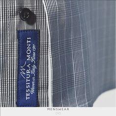 Skjorter i 100% bomull i de fineste Italienske kvaliteter fra Viero Milano. Kr. 795,- Photo: @katyadonic #menswear_no #menswear#oslo#tjuvholmen #lysaker#bogstadveien#hegdehaugsveien #skjorte#perlemor#viero #jobb #fest #shirt#suitup#motherofpearl #buttons