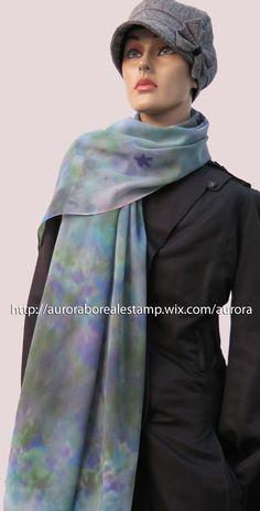 Echarpe em musseline 200x70 cm com estamparia manual (pintado à mão). É um produto único e exclusivo Aurora Boreal Estamparia. #estamparia manual #estampariaartesanal  #handmade #modafeminina tecido/ fashion/ diy/ style/ foulard/ couture/ femme/ tecido/ fashion/ tissus/ mode WhatsApp: +55 (21) 99799-3686