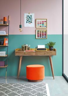 How to rock a colour block Colour blocking wall ideas: 14 clever ways with paint Cores Home Office, Home Office Colors, Home Office Space, Home Office Design, Office Decor, Office Ideas, Office Art, Room Colors, Wall Colors