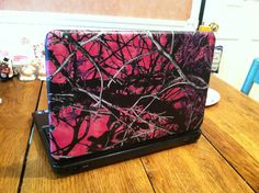 I just got my laptop cover muddy girled haha love it :)