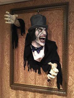 Haunted Portrait of Jack the Ripper by Dawnski on Halloween Forum Halloween Supplies, Halloween Forum, Cute Halloween Costumes, Halloween Pictures, Halloween Skeletons, Diy Halloween Decorations, Halloween Design, Holidays Halloween, Scary Halloween
