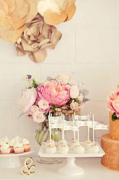 Cake pop table