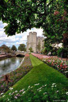 Canterbury : towards west gate. by Patrick Mayon