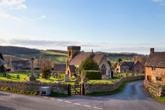 Snowshill is a small Cotswolds village in Gloucestershire, & is the location where an important Bronze Age hoard was found in English Villages, Villages In Uk, Cotswold Villages, Hillside Village, Farm Village, Seaside Village, Cotswold Way, Castles In England, English Countryside