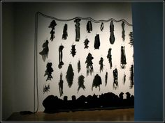 Annette Messager -Mes caoutchou On retrouve dans la salle suivante le grand… Centre Pompidou Paris, Sculpture, Paper, Fabric, Decor, Photo Galleries, Contemporary Art, Guitar, Artist