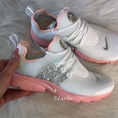 Shine Bright in the gorgeous Nike Presto customized with Swarovski Crystals 💎💎💎 Bedazzled Shoes, Bling Shoes, Nike Looks, Nike Wear, Nike Presto, Trendy Shoes, Shoe Game, Me Too Shoes, Nike Air Max