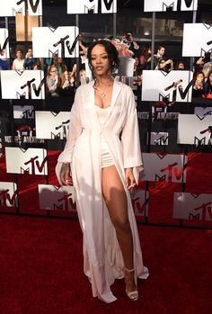 Best Dressed at the MTV Music Awards 2014 // Rihanna in flowing Ulyana Sergeenko open kimono