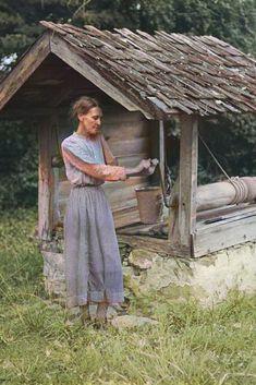 Miss Nettie Lloyd, on her farm in Orange County, North Carolina, ca 1939. Colorized by Steve Smith. #farmer #northcarolina #water #well #woman Colorized Historical Photos, Colorized History, Farm Women, Female Farmer, Steve Smith, Family Roots, Water Well, Orange County, Genealogy