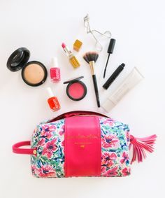 Finding a roomy travel bag that is also cute is the ultimate score! Loving this design by Ashley Brook Designs