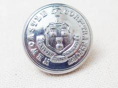 Newcastle Corp Transportの制服のボタンとして使われていたユニフォームボタンです。
