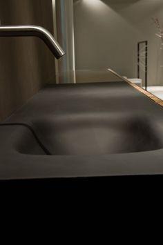 #bath #bathroom #bathrooms #decor #black #matte #decoration #decoratingbathroom #bathroomdecoration #homestyling    Glass integrated washbasin for Door Serie