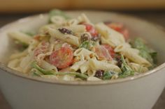Italy on a plate! Easy to make, easy to eat! Easy Pasta Salad Recipe, Easy Salad Recipes, Healthy Recipes, Vegan Peanut Sauce, Healthy Sour Cream, Work Meals, Orzo, Pasta Dishes, My Favorite Food