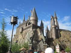 HARRY POTTER THEME PARK.. one of the best places ever! so much fun .. missing the butter beer!!