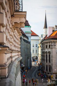 To Josefsplatz, Vienna