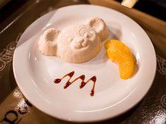 A great Disney Italian restaurant where you can get a Duffy-shaped dessert! Disney Desserts, Disney Snacks, Tokyo Disney Sea, Tokyo Disney Resort, Disneysea Tokyo, Disney Tourist Blog, Disney World Food, Flavored Popcorn, Disney Dining