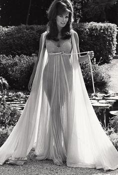 Raquel Welch par Pierluigi Praturlon, 1968.