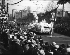 L.A. Decked Out For Christmas, 1925-1964 (check out those hats!)