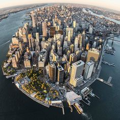 A few slightly different views of downtown Manhattan by @nyc_bibog.  www.flynyon.com