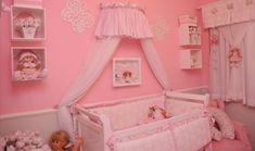 Enxoval de bebê rosa - Com uma decoração dos sonhos esse quarto de bebê com enxoval de bebê rosa ficou simplesmente magnífico, um quartinho típico de princesa que você certamente vai amar!