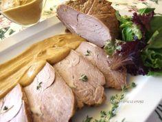 El lomo de cerdo tiene poca grasa y se puede cocinar de muchas formas. JUGANDO CON LA COCINA nos enseña a prepararlo con cerveza para que quede muy jugoso.
