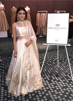 Indian Gowns Dresses, Indian Fashion Dresses, Indian Designer Outfits, Indian Outfits Modern, Ethnic Fashion, Indian Bridal Outfits, Indian Bridal Fashion, Pakistani Outfits, Lengha Dress